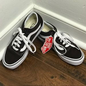 "NWT/NWB Vans ""Old Skool"" Chocolate/True White Shoe"